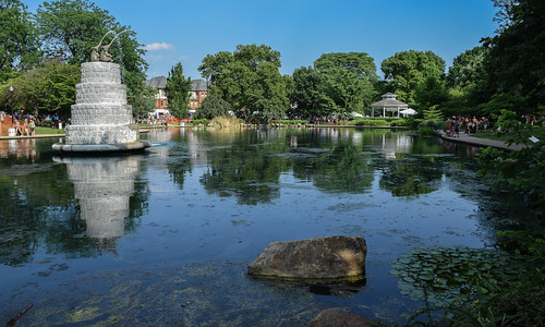 comfest 2016 community festival columbus ohio goodale park outdoor summer party short north victorian village downtown urban city pond lake water reflection fountain gazebo trees elephant rocks lilypads