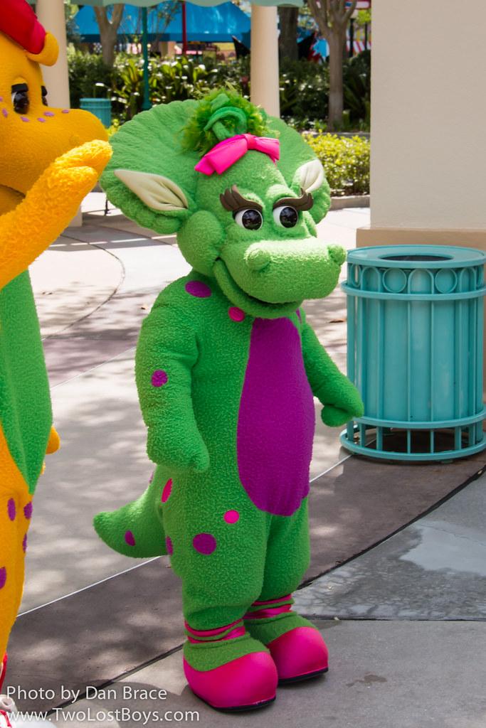 Meeting Barney, BJ and Baby Bop   Universal Orlando Resort