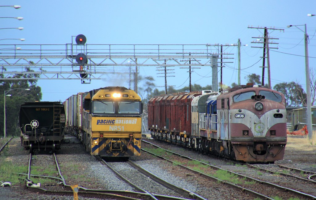 NR51 and NR88 roll into Dimboola to change crew on PM5 by bukk05