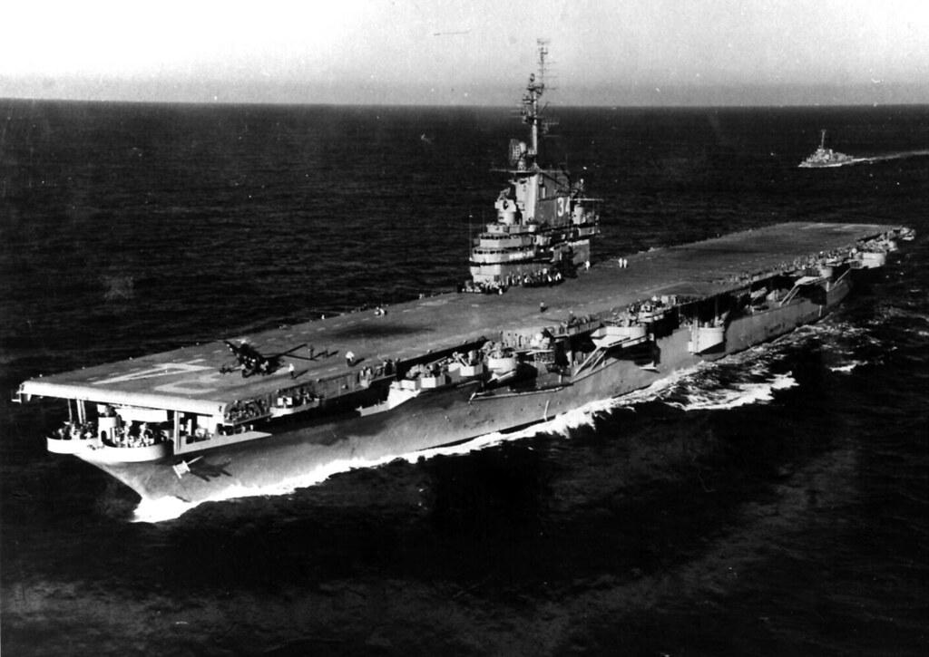 USS Oriskany (CV-34) 1950 | USS Oriskany (CV-34) off New Yor