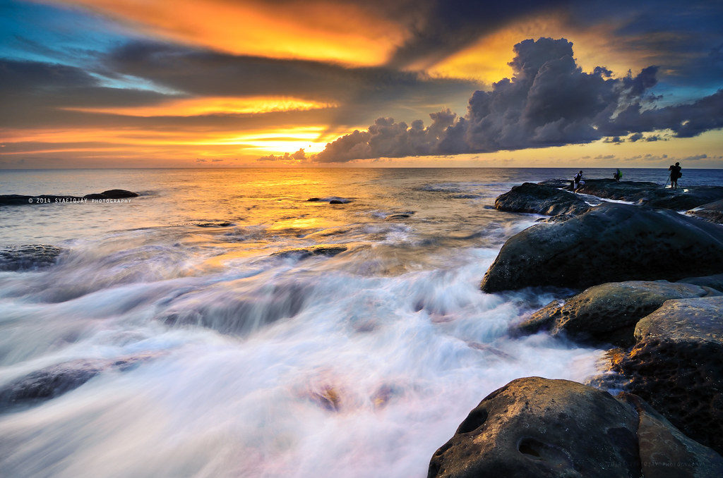 Golden Hour at Tip Of Borneo | Filter used : Reverse Gradual