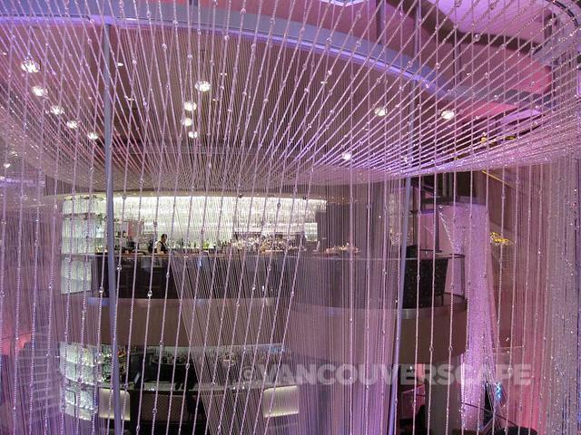 Cosmopolitan Hotel Top of the Chandelier Lounge