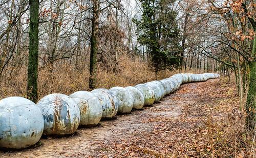 park sculpture nature landscape stlouis missouri sculpturegarden buoys laumeiersculpturepark