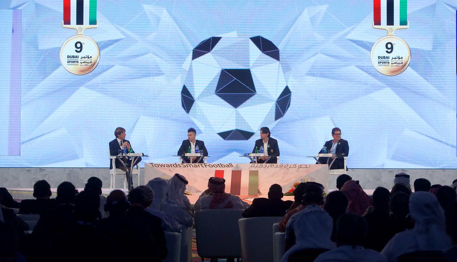 Globe Soccer 026