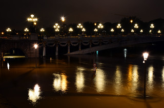 Crue de la Seine 2016 - Paris, Pont Alexandre III | by EclairagePublic.eu