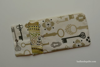 Needles & Notion pouch