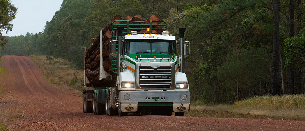 Log transport with a MACK Trident.