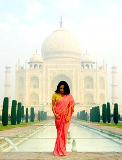 Ghost in the Taj Mahal   Le fantôme du Taj Mahal    Agra, India   by Aucunale TNT
