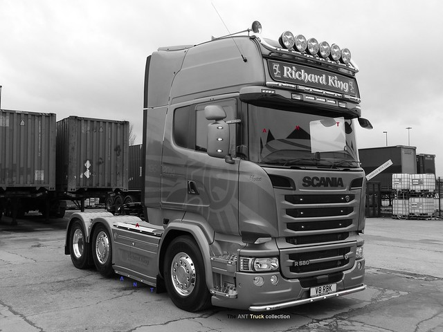 SCANIA R580 Euro 6 V8 RBK GOLDEN GRIFFIN RICHARD KING it's no5 of 50