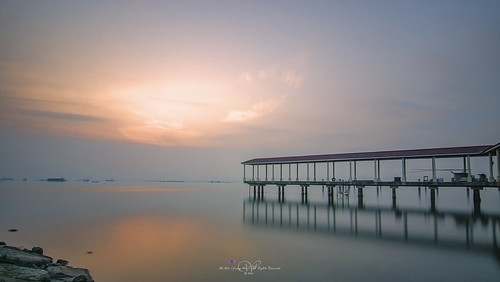 longexposure blue sunset reflection water clouds sunrise landscape nikon sunsets georgetown tokina shore malaysia penang sunrises inverted 海岸 海 日落 風景 云 天空 水 jelutong penangisland 海洋 日出 蓝 倒影 pulaupinang 风 马来西亚 georgetownpenang my 戶外 nd1000 槟城 岸邊 10stopndfilter tokina1116mmf28 tokina1116mm 乔治市 nikond7000 安詳 长曝 bandarsripinang karpalsinghdrive lebuhsungaipinang 加巴星大道 减光10级 ahweilungwei persiarankarpalsingh