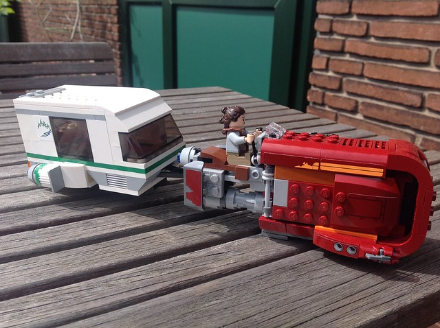 Rey on Holiday (Speeder with Caravan)