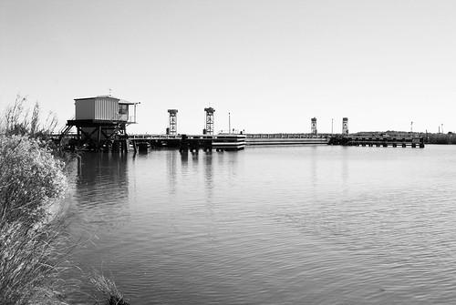 black bayou intracoastal waterway la louisiana highway hwy 384 calcasieu parrish pontoon floating swing bridge moving movable barge united states north america