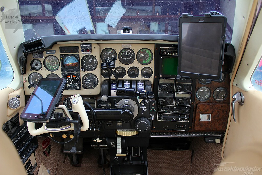 PR-PRI - Beechcraft Baron 58   Daniel Popinga   Flickr