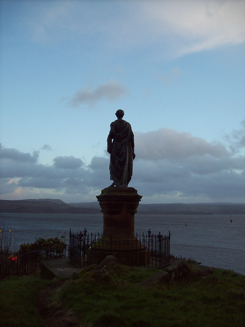 HIGHLAND MARY'S STATUE IN DUNOON