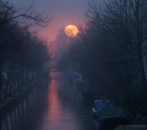 sunset mist holland zonsondergang nederland thenetherlands delft zuidholland buitenwatersloot kelskphotography