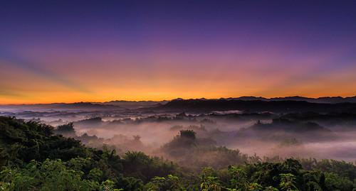 sky sunrise taiwan tainan 台灣 6d 雲海 日出 台南市 二寮 霞光 ef1635mm 左鎮區