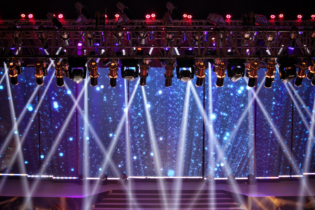 Lux Channel i Superstar 2014 Grand Finale: 69