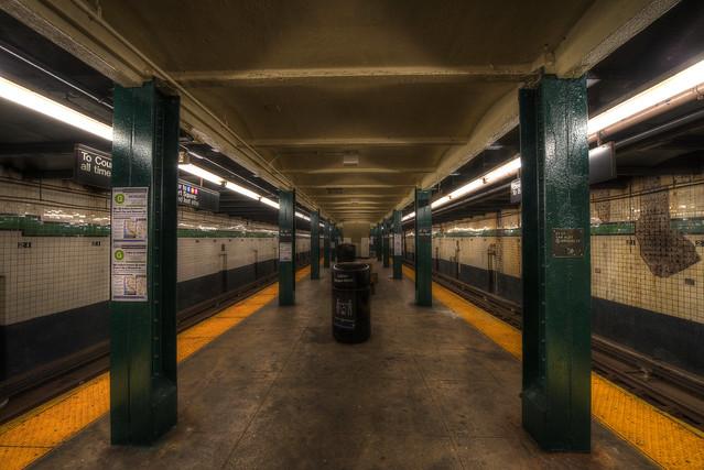 Subway - 21 St.- Van Alst - New York City
