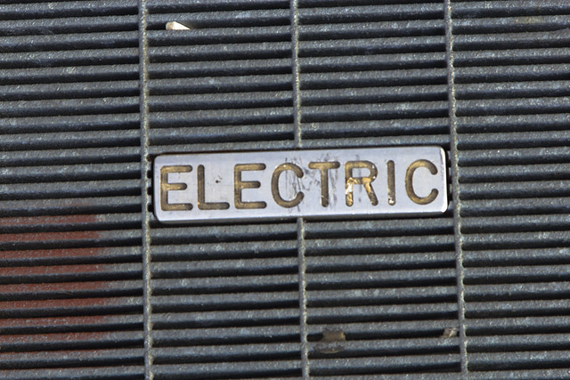 Electric grate