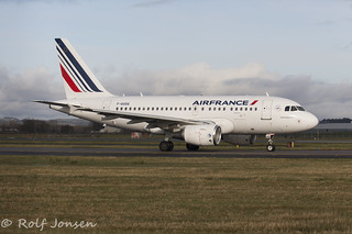 F-GUGQ Airbus A318 Air france Glasgow airport EGPF 29.03-16 | by rjonsen