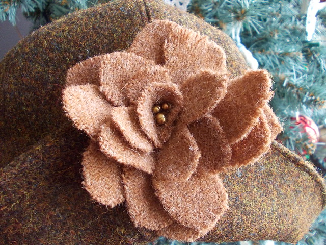 tweed flower