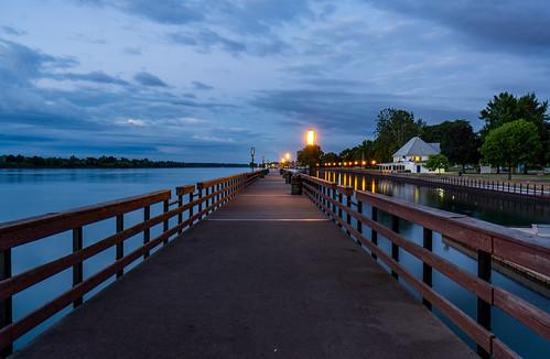 michigan wyandotte bishoppark bluehour dawn river detroit detroitriver boardwalk pier fishingpier puremichigan