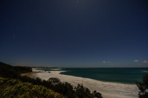 ocean longexposure sea beach night stars landscape coast waves nightscape australia coastal nsw newsouthwales 2015 yuraygirnationalpark diggerscamp sonya7r