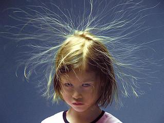 A nem megfelelő hajápolás eredménye a töredezett haj.