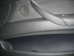 Lavado a mano, puerta Copiloto. Necesita servicio  off road. BMW X5. Después