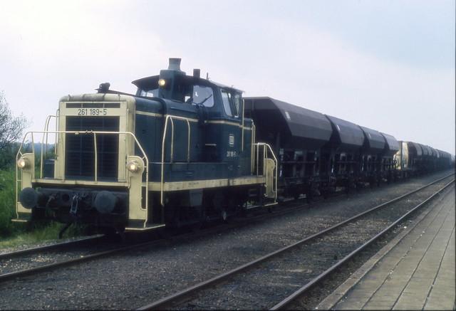 1985-06-11 261789-5 met goederentrein Nieuweschans
