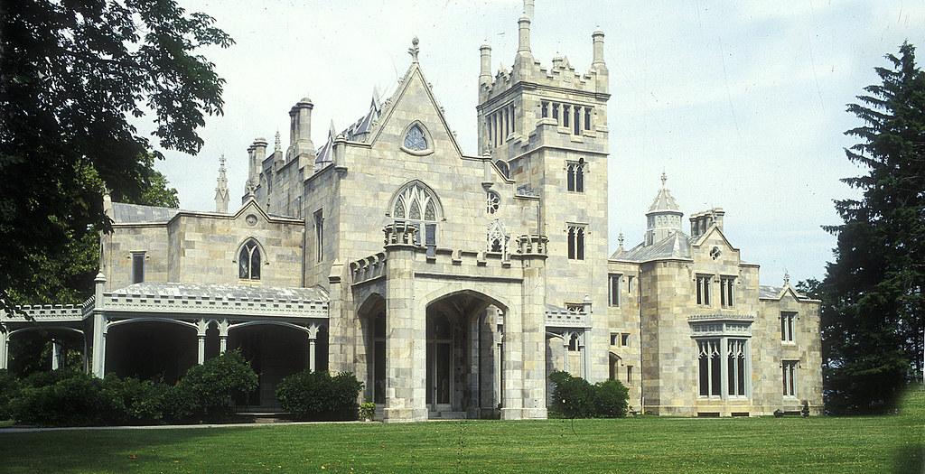 Lyndhurst Mansion EXT
