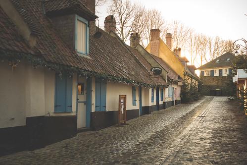 street old city houses sunset pavement maisons perspective rue ville ancienne pavés pasdecalais montreuilsurmer