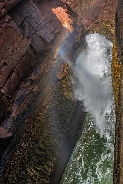 Thunder Hole (Acadia National Park, Maine)
