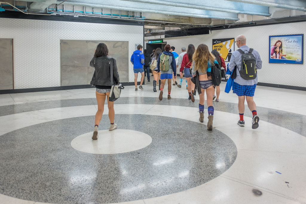 No Pants Subway Ride 2015: cosmetic trierarchs