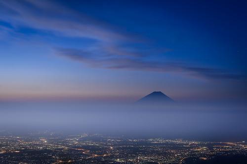 city morning blue summer sky cloud mountain yellow fog golden fuji hill fujisan mtfuji worldheritage kofu citylight amariyama