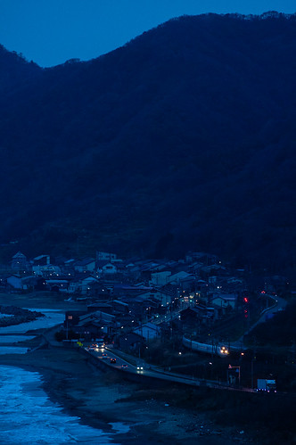 mountain sea tamron k3 pentax dark blue light sunset night railroad rail train 上越市 新潟県 日本