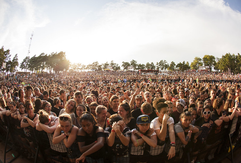 Crowd at the Zoo Amp