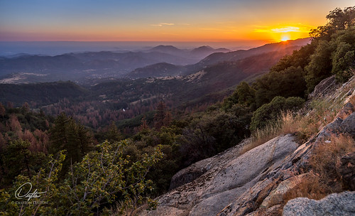 park sunset sun mountain mountains rock fog landscape outside landscapes haze rocks bright outdoor canyon kings national mountainside sequoia