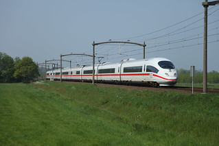 DB ICE  406 054-7  4654  t.h.v. Nuenen richting Venlo/ Frankfurt am Main | by JvanSt