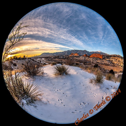 1160 5d 5dclassic 5dmark1 5dmarki 8mm 80 canon colorado coloradosprings ef815mm ef815mmf4lfisheyeusm eos5d explore fisheye iso100 unitedstates usa co explored gardenofthegods gleneyrie image kissingcamels landscape mesaroad mesaroadoverlook photo pikespeak 815mm 180degree sunrise newyearseve pikes peak rockymountains foothills best wonderful perfect fabulous great pic picture photograph esplora