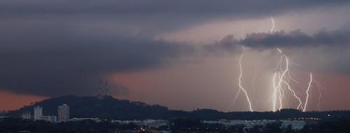 160525-lightning over Bukit Timah | by astinus