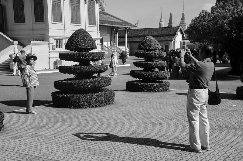Image of people at Royal Palace, Phnom Penh, Cambodia (5)