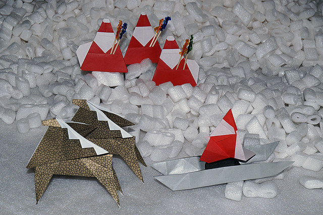 Santa-shaped pick holder (Yuko Fujimoto), Variation of the Santa -shaped chopstick wrapper (Katsuhisa Yamada), Sledge and Reindeer (Kunihiko Kasahara)
