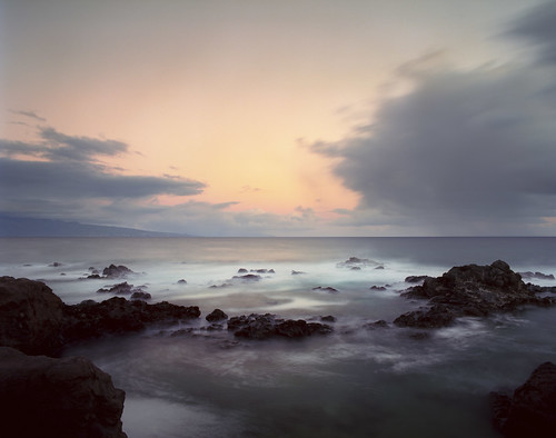 film analog sunrise hawaii maui pentax6x7 kodakektar100