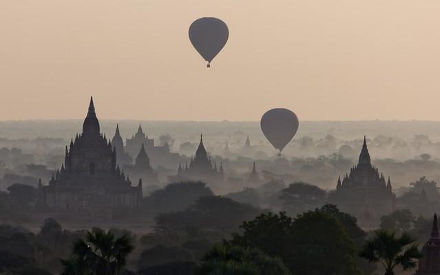 Amaneciendo... en Bagan