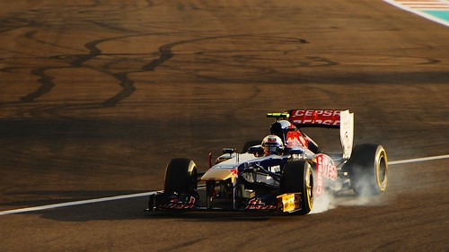 sunset marina dubai daniel smoke grand prix formula brake abu dhabi circuit formula1 rosso toro yas 2013 ricciardo yasmarinadubaiabudhabi2013
