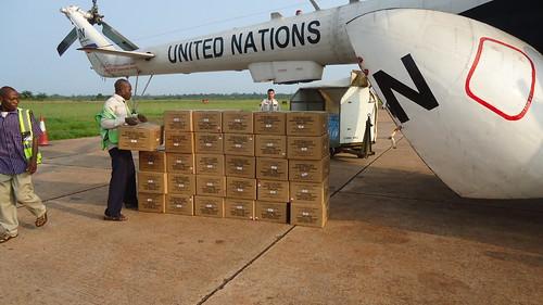 L'activité incessante des avions et hélicoptères des Nations Unies à l'aéroport de Mbandaka d'où part une bonne partie de l'assistance onusienne à la Coordination de la  lutte contre le virus Ebola | by MONUSCO