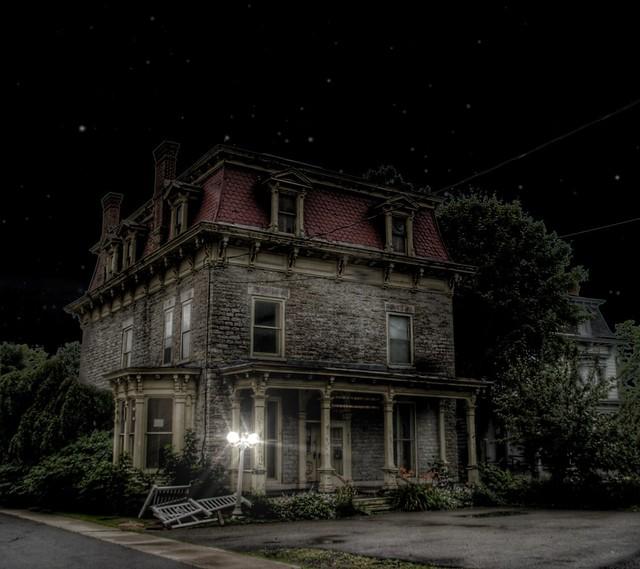 Ogdensberg NY ~  Abandon Mansion ~ Historic District