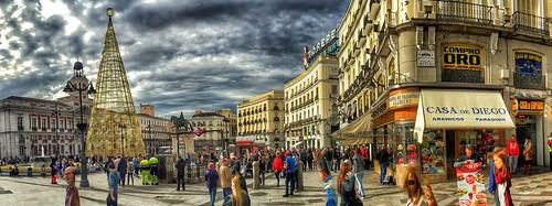 Puerta del Sol de Madrid en Navidad | by Tecdencias