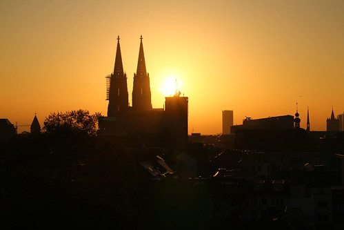 morning sunrise spring view cathedral cologne dome clear sky pullman sunlight church silhouette bright spire orange tower canon city urban panorama germany town landmark
